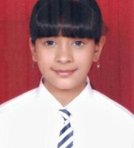 hiba nawab childhood pictures