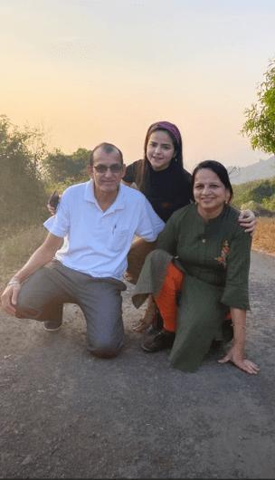 palak sidhwani parents