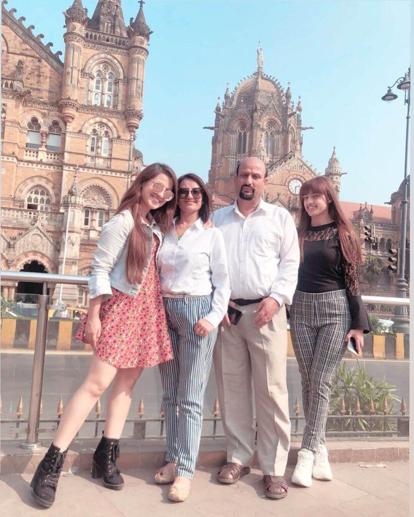 Alisha Panwar Family
