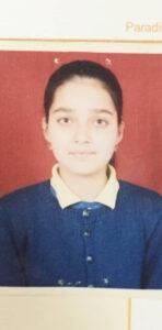 Mansi Srivastava childhood image