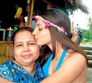 Shama Sikander mother